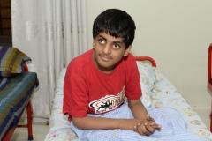 jongen-gehandicapt-pakistan-dar-ul-sukun