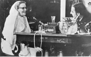 Zuster Lemmens in TV-show van Willem Duys in 1970